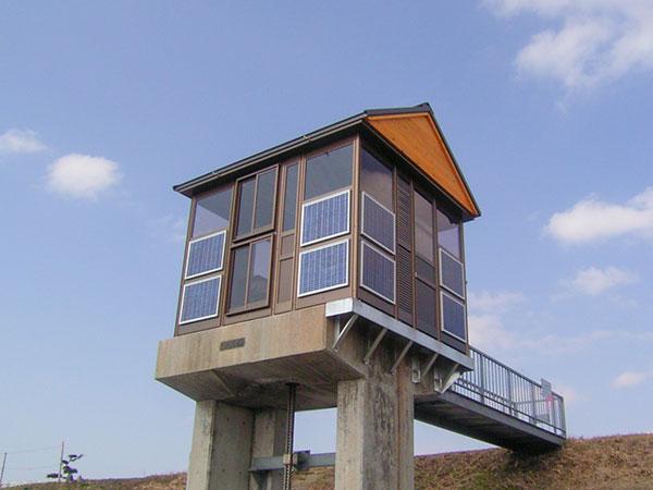 ソーラーシステムと樋門ハウスの一体化を実現